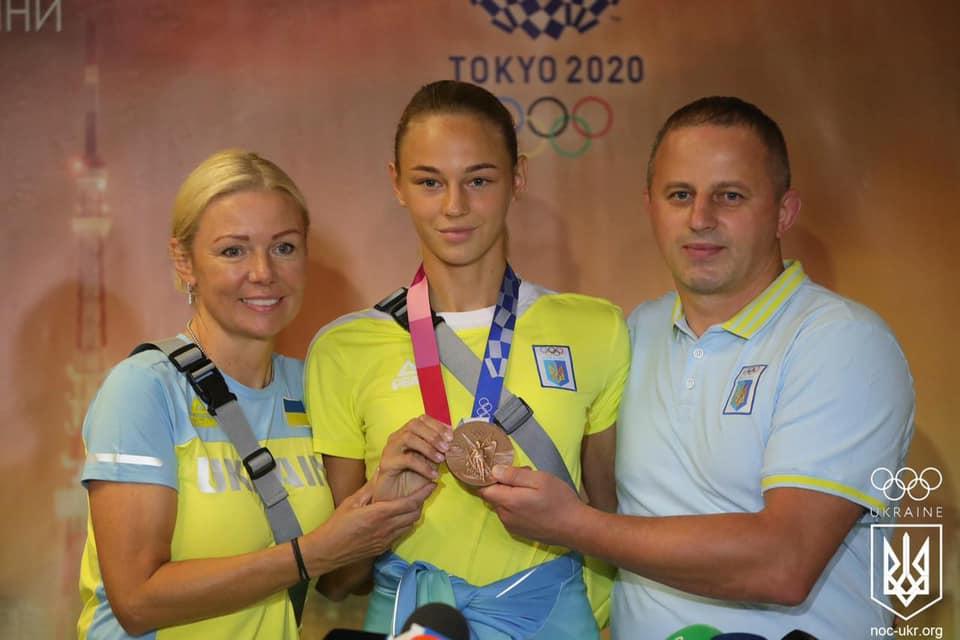 Перші призери Олімпійських ігор повернулися додому