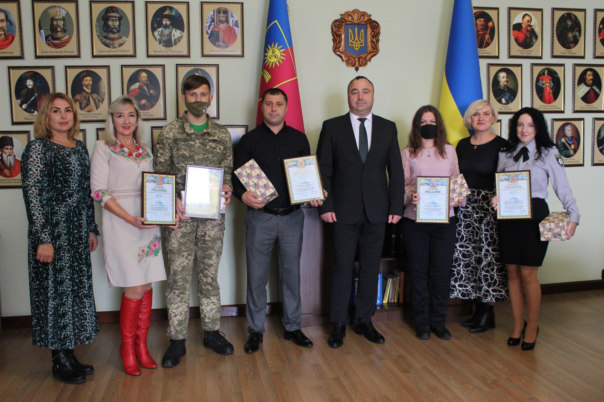 Володимир Юр'єв вручив відзнаки визначним подолянам до Дня захисників та захисниць України